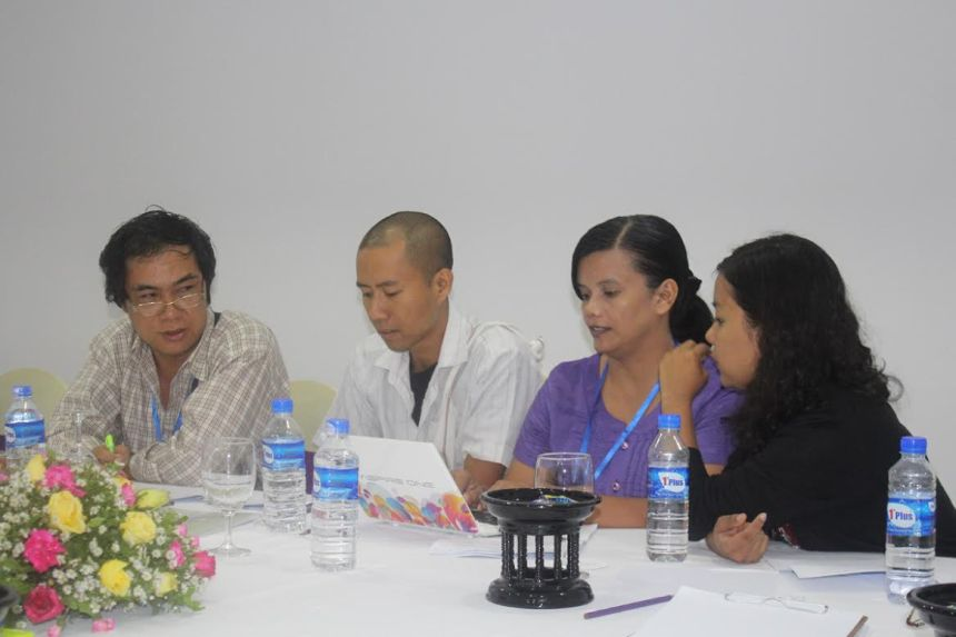 Participants in English to Burmese workshop (Imafe credit:  Han Zaw)