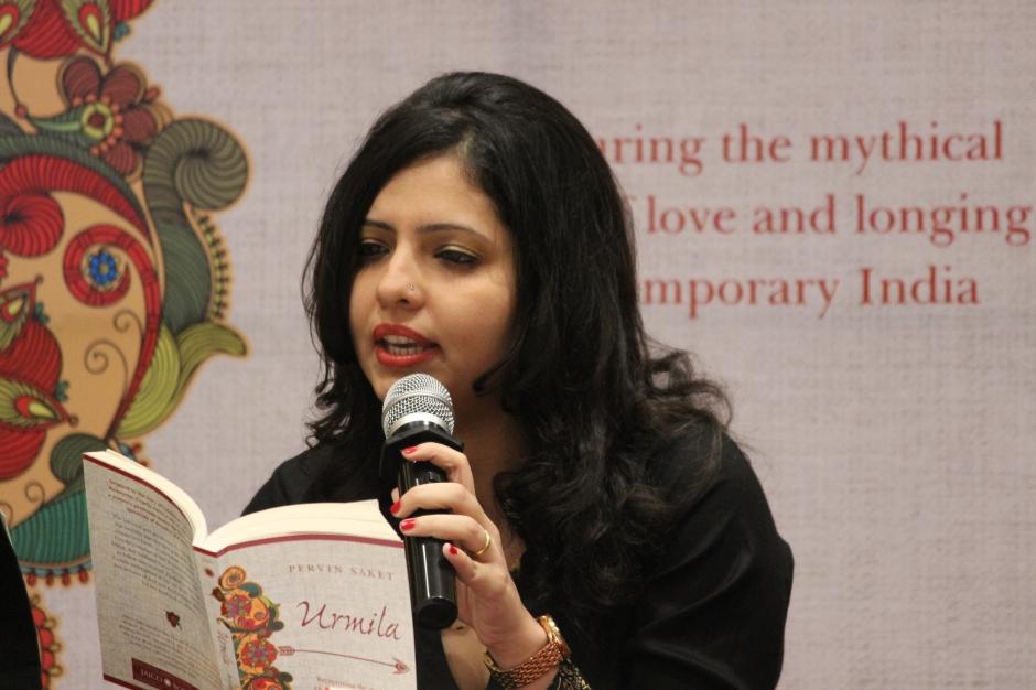 Pervin Reading from Urmila at Mumbai Launch 2