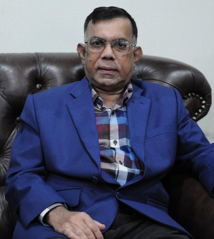 Dr Quayum