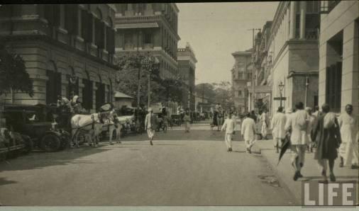 Calcutta_street_scene_-_LIFE